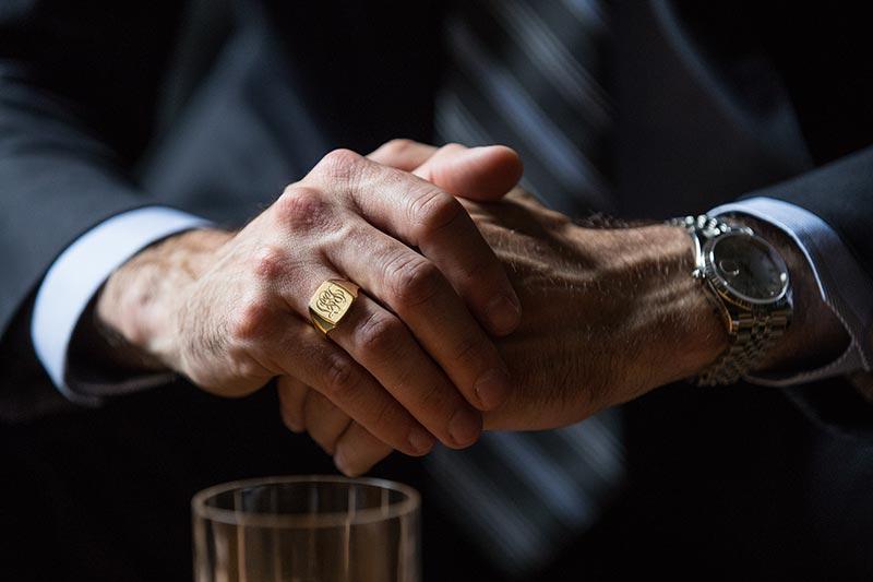 Ο παράμεσος είναι το δάχτυλο όπου φοράμε τις βέρες μας. Στην Ορθόδοξη  θρησκεία b305e4ca435