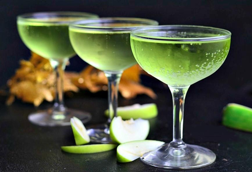 5 αλκοολούχα ποτά με λίγες θερμίδες για όσους προσέχουν την γραμμή ... e7dd6d858f5