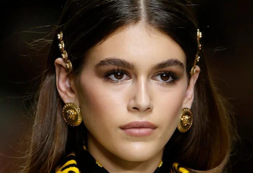 Αυτό είναι το νέο hot trend στα κοσμήματα και τα αξεσουάρ μαλλιών ... 04a237b2922