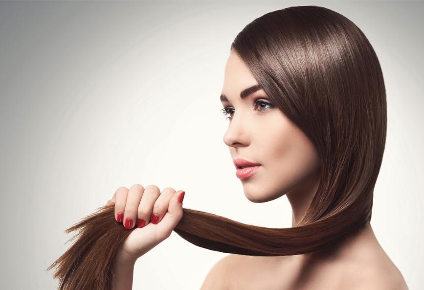 4 τρόποι για να ισιώσετε τα μαλλιά σας χωρίς πιστολάκι ή πρέσα ... 53760aa88f3