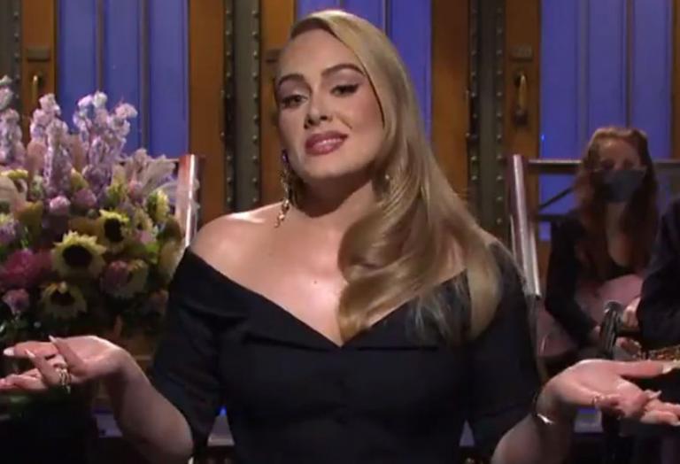 Η Adele έλαμψε στο Saturday Night Live - Αστειεύτηκε και για το πόσο αδυνάτισε - Κεντρική Εικόνα