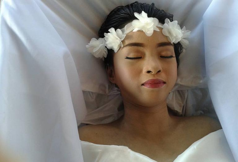 True story: Μια 20χρονη που ήθελε να πεθάνει όμορφη συγκινεί τους πάντες - Κεντρική Εικόνα