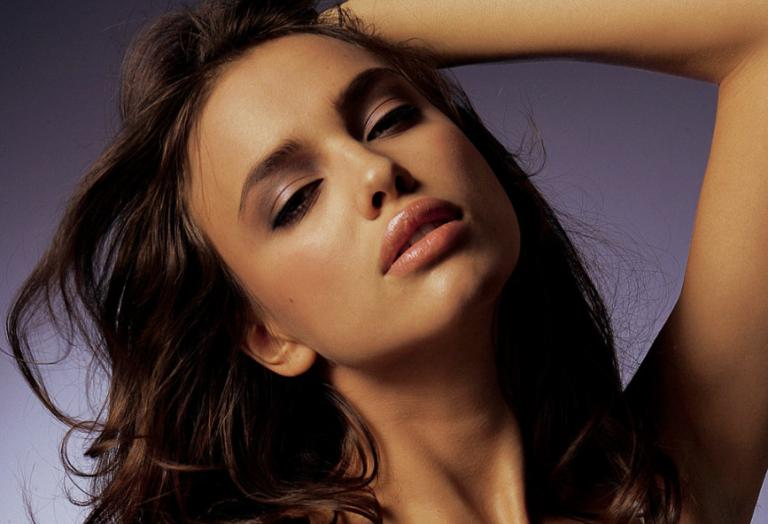 H Irina ποζάρει με ένα παγάκι στο στόμα και παλαβώνει το Instagram [εικόνες] - Κεντρική Εικόνα