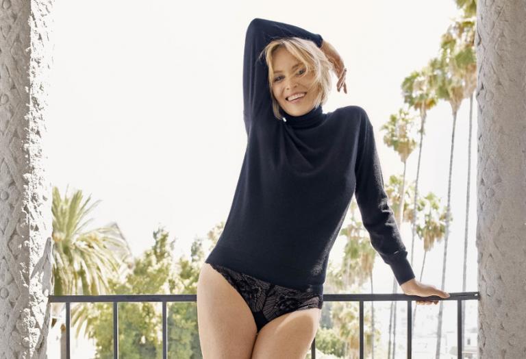 Η 61χρονη Sharon Stone ποζάρει για νέο εξώφυλλο και παραμένει σέξι [εικόνες] - Κεντρική Εικόνα