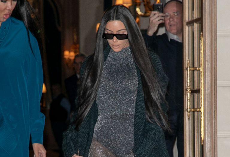 H Kim Kardashian προκάλεσε χαμό με το νέο σέξι outfit που φόρεσε στο Παρίσι - Κεντρική Εικόνα