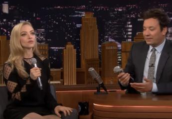 H πρωταγωνίστρια του Mamma Mia τραγουδά AΒΒΑ με... κουλούς στίχους [βίντεο] - Κεντρική Εικόνα