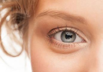 Το μυστικό για να πείτε αντίο στα πρησμένα μάτια βρίσκεται στο μαξιλάρι σας - Κεντρική Εικόνα
