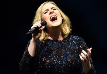 Δείτε τη στιγμή που η Adele μιμείται την Beyonce [βίντεο] - Κεντρική Εικόνα