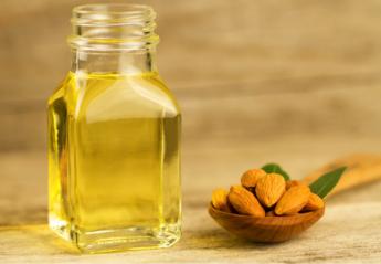 Αμυγδαλέλαιο: 4 φυσικές συνταγές για κάθε beauty ανάγκη σου - Κεντρική Εικόνα