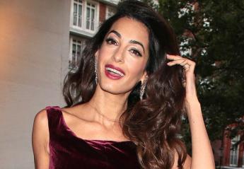 Ποιος είπε πως δεν φοράμε βελούδο το καλοκαίρι; Η Amal το έκανε [εικόνες] - Κεντρική Εικόνα