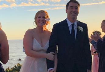 H Amy Schumer παντρεύτηκε και δεν το πήρε χαμπάρι κανείς [εικόνες] - Κεντρική Εικόνα