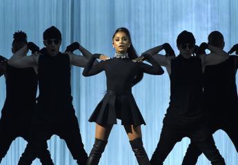 Διάσημοι στέλνουν μηνύματα στην Ariana και τα θύματα στο Μάντσεστερ - Κεντρική Εικόνα
