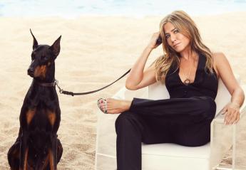 Η 50χρονη Jennifer Aniston ποζάρει τόπλες και μιλά για όλα [εικόνες] - Κεντρική Εικόνα