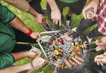 Τον κάλεσαν σε vegetarian BBQ και δείτε τι του έδωσαν να φάει [εικόνα] - Κεντρική Εικόνα