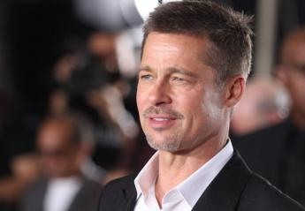 Δείτε ποιός σταρ έκανε photobomb στον Brad Pitt στο Glastonbury  - Κεντρική Εικόνα
