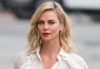 H Charlize Theron αποκαλύπτει όλα τα μυστικά της ομορφιάς της  - Κεντρική Εικόνα