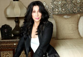 «Πιάσανε κότσο» την Cher - Κεντρική Εικόνα
