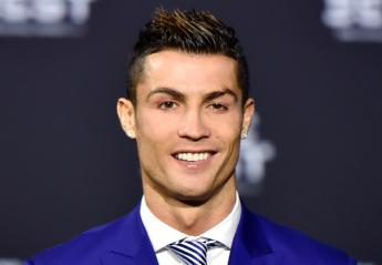 Mια σέξι Eλληνίδα αποκαλύπτει πως φλέρταρε με τον Cristiano Ronaldo - Κεντρική Εικόνα