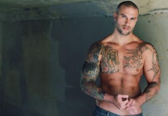 Νέα έρευνα επιβεβαιώνει πως οι γυναίκες προτιμούν τους άντρες με τατουάζ - Κεντρική Εικόνα