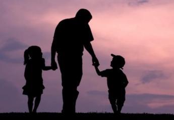 Σήμερα είναι η γιορτή του πατέρα  - Κεντρική Εικόνα
