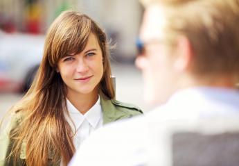 5 συμβουλές για να σας συμπαθήσουν οι άλλοι μέσα στα 5 πρώτα λεπτά - Κεντρική Εικόνα