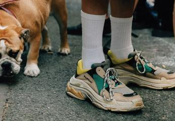 "Tα ""άσχημα αθλητικά παπούτσια του μπαμπά"" ξαφνικά έγιναν cool! - Κεντρική Εικόνα"