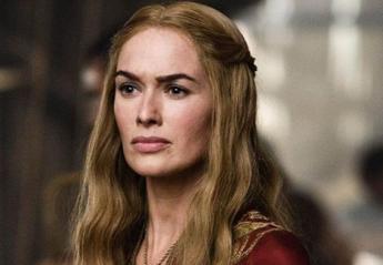 Μια σταρ του Game of Thrones μας έδειξε ένα κολπάκι για να τρως ανανά [βίντεο] - Κεντρική Εικόνα