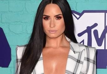 "H Demi Lovato αντιγράφει το ""γυμνό"" look της Kim Kardashian; [εικόνες] - Κεντρική Εικόνα"