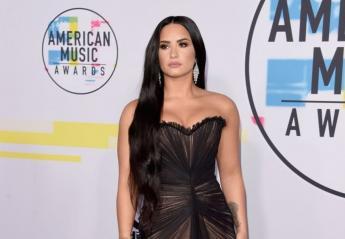 "H Demi Lovato και 5 ακόμη stars φόρεσαν ""γυμνά φορέματα"" στα AMAs [εικόνες] - Κεντρική Εικόνα"