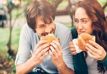 Έρευνα αποκάλυψε ποια φαγητά αντί να σε χορτάσουν σε κάνουν να πεινάς - Κεντρική Εικόνα