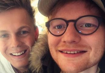 O Ed Sheeran έκανε το brain freeze challenge παρέα με διάσημο YouTuber - Κεντρική Εικόνα