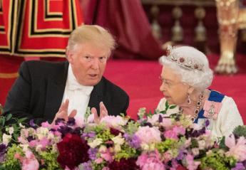 Γιατί όλοι σχολιάζουν αυτή την τιάρα που φόρεσε η βασίλισσα Ελισάβετ;  - Κεντρική Εικόνα