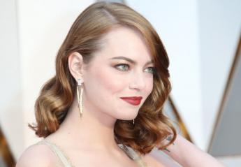 Αγνώριστη αλλά εντυπωσιακή η Emma Stone: Έγινε πλατινέ ξανθιά [εικόνες] - Κεντρική Εικόνα