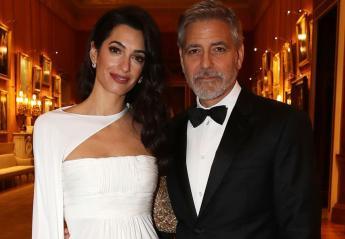 Οι Clooneys έκαναν μια... royal εμφάνιση στο βρετανικό παλάτι [εικόνες] - Κεντρική Εικόνα