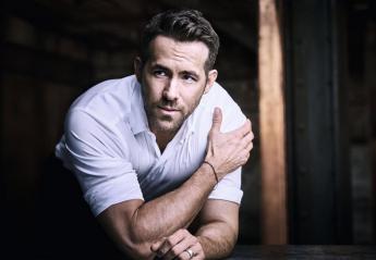 O Ryan Reynolds δοκίμασε το #BottleCapChallenge και απέτυχε [βίντεο] - Κεντρική Εικόνα
