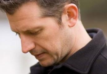 Ένα σημάδι στα αυτιά ενός άνδρα ίσως αποτελεί ένδειξη προβλημάτων υγείας - Κεντρική Εικόνα