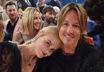 """Όλοι μιλούν για το καυτό """"ρουφηχτό"""" φιλί της Nicole Kidman στο σύζυγό της [βίντεο] - Κεντρική Εικόνα"""