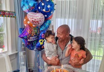 O The Rock είχε γενέθλια και τα γιόρτασε με τις κορούλες του [εικόνα] - Κεντρική Εικόνα