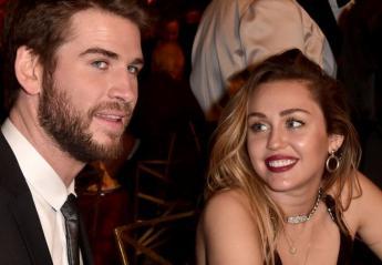 Η Miley Cyrus φόρεσε ένα σέξι μίνι και ο σύζυγός της έπαθε... εγκεφαλικό [εικόνες] - Κεντρική Εικόνα