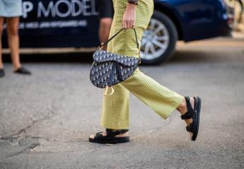 """Τα """"άσχημα σανδάλια του τουρίστα"""" είναι στη μόδα - Τα φόρεσε μέχρι και η Gigi Hadid - Κεντρική Εικόνα"""