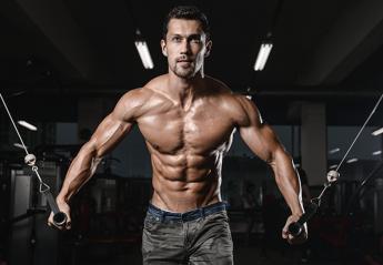 Τρεις δημοφιλείς ασκήσεις για τους ώμους σου που καλό είναι να αποφύγεις - Κεντρική Εικόνα