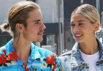 Τα νέα καυτά φιλιά των Justin & Hailey στις διακοπές τους [εικόνες] - Κεντρική Εικόνα