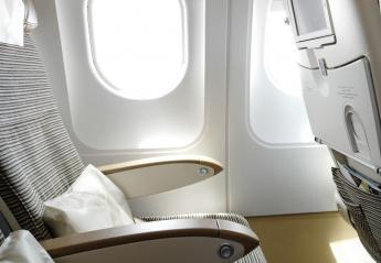 Γιατί πρέπει πάντα να κοιτάτε κάτω από τη θέση σας στο αεροπλάνο;  - Κεντρική Εικόνα