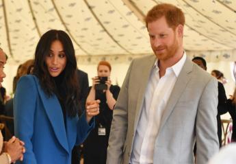 Αληθινός πρίγκιπας: Mια κίνηση του Harry δείχνει πόσο φροντίζει την Meghan [βίντεο] - Κεντρική Εικόνα