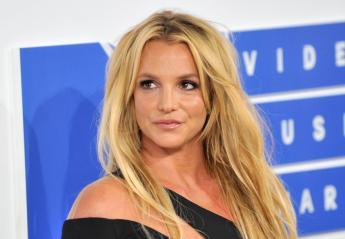 H Britney Spears απέκτησε σκούρα καστανά μαλλιά και είναι αγνώριστη [βίντεο] - Κεντρική Εικόνα