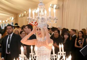 To πιο viral βίντεο του Met Gala δείχνει τις Katy Perry και JLo στις τουαλέτες  - Κεντρική Εικόνα
