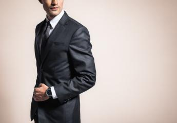 To λάθος που κάνουν πολλοί και κάνει το κοστούμι τους να δείχνει... φτηνιάρικο - Κεντρική Εικόνα