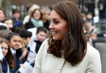 Κυκλοφόρησε μια γελοία φήμη για τα δάχτυλα της Kate Middleton [εικόνες] - Κεντρική Εικόνα