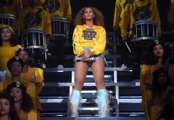H Adele μιμείται τα χορευτικά της Beyonce και ρίχνει το Instagram [βίντεο] - Κεντρική Εικόνα