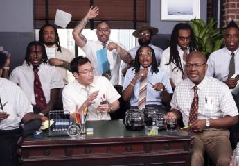 Τώρα ο Jimmy Fallon παίζει μουσική και με είδη γραφείου [βίντεο] - Κεντρική Εικόνα